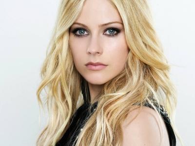 Пятый студийный альбом Avril Lavigne