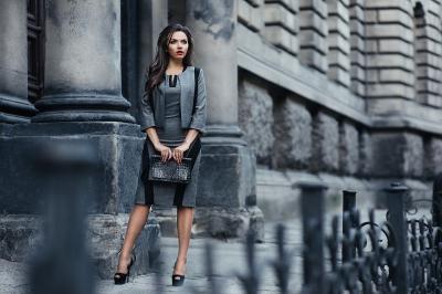 Где оптом купить стильную женскую одежду?