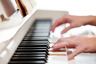 Чем полезна музыкотерапия?